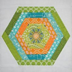 Make the best of the best with this list of 100 Free Quilt Patterns For Your Home: Nine Patch Patterns, Rag Quilt Patterns, Log Cabin Quilt Patterns, Quilt-As-You-Go Patterns, and More! Stay ahead of the trends with any one of these gorgeous quilt pa Modern Quilt Patterns, Quilt Block Patterns, Pattern Blocks, Quilt Blocks, Hexagon Pattern, Quilt Kits, Free Pattern, Log Cabin Quilt Pattern, Log Cabin Quilts