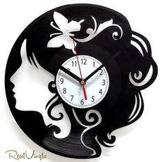 Made with vinyl record Vinyl Record Crafts, Old Vinyl Records, Vinyl Record Clock, Vinyl Crafts, Vinyl Art, Lp Vinyl, Clock Art, Diy Clock, Vinyl Platten