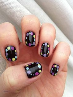 Sugar dots nail-art