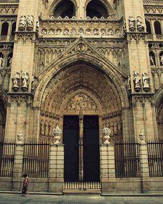 Toledo Cathedral, Spain (by Grzegorz Chorus)