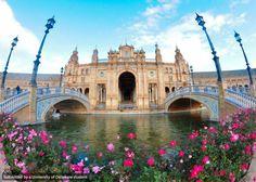 La Plaza de España, Sevilla, España by FLLT Global Study Ambassador Nina