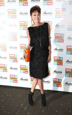 ^_~ LjS Short Do .. is BACK .... at the 2015 NME Awards !! http://entertainment.ie/photos/The-2015-NME-Awards/6457.htm#!img=24 —and— http://www.lisastansfield.net/latest--blog/lisa-shows-off-her-new-look-at-the-2015-nme-awards-in-london