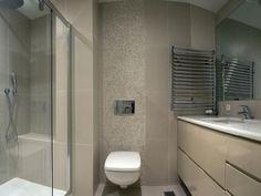 Bézs színű fürdőszoba - fürdő / WC ötlet