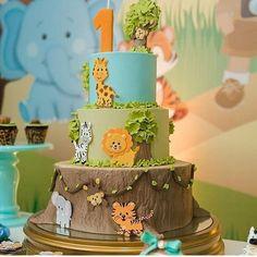 Jungle Safari Cake, Jungle Birthday Cakes, Jungle Theme Cakes, Safari Baby Shower Cake, Safari Theme Birthday, Animal Birthday Cakes, Boys First Birthday Party Ideas, Safari Cakes, Baby Boy 1st Birthday
