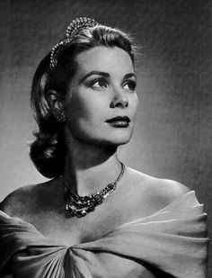 A charming Hollywood star who eventually became the Princess of Monaco. The late princess is also seen as a style icon because of her poise and beauty.