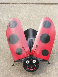 Ladybug made out of old shovels. My friend Cindy Ottman makes these. cook stuff.