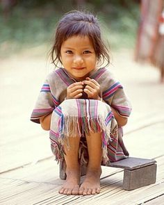Portrait Photography Inspiration : Little girl northern Thailand (by Jim Zuckerman) Precious Children, Beautiful Children, Beautiful Babies, Beautiful People, Little People, Little Ones, Little Girls, Cute Kids, Children Photography
