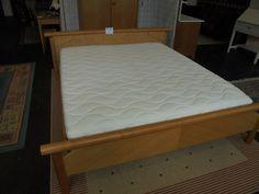 Doppelbett bei HIOB Thun  #Schnäppchen #Trouvaille