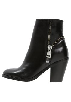 hot sale online b61fd e58e6 Schoenen Diesel D-AMPIGHT - Korte laarzen - black Zwart  259,95 €