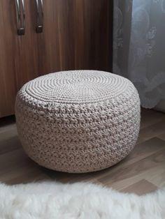 Návod na háčkovaný hvězdičkový puff Crochet Pouf, Crochet Pillow, Basic Embroidery Stitches, Crochet Squares, Quilling, Ottoman, Creations, Crochet Patterns, Textiles