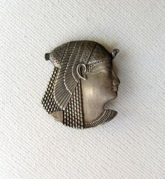 Vintage sterling silver Ancient Egypt Nefertiti Cleopatra goddess brooch