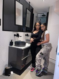 Swag Girl Style, Girl Swag, Best Friend Photos, Best Friend Goals, Best Friends Whenever, Best Friends Aesthetic, Curvy Girl Fashion, Cute Couples Goals, Types Of Fashion Styles