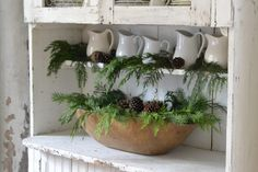 35 Cool Ideas To Use Dough Bowls In Home Décor : 35 Cool Ideas To Use Dough Bowls In Home Décor With Pinecone And Autumn Leaves Storage