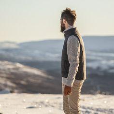a27ab9a1f6030 Pantalon en velours milleraies alsacien beige. Pantalon beige en velours  français pour homme - BonneGueule - Doux et chaud pour l'hiver