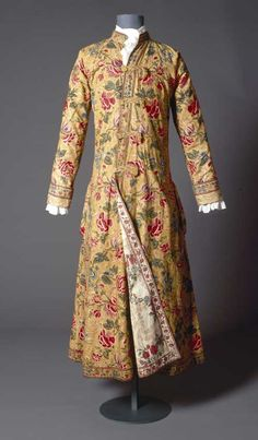 Man's dressing gown, reversible, c. 1750. Cotton painted and dyed (Indian),          eight colours.