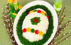 It is a website for handmade creations,with free patterns for croshet and knitting , in many techniques & designs. Easter Table, Easter Eggs, Vegetable Decoration, Food Decoration, String Art Tutorials, Party Platters, Russian Recipes, Recipe For 4, Festival Decorations