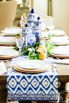 3 Sentimental Gift Ideas for Mother's Day & How to Set a Blue and White Table Just for her - using ginger jars, fresh citrus, monogrammed plates and napkins Blue Table Settings, Place Settings, Jar Centerpieces, Centerpiece Ideas, Little Valentine, Ginger Jars, Decoration Table, Sentimental Gifts, E Design