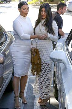 cool Kourtney Kardashian Casa Escobar    Kombini Sokak Stili