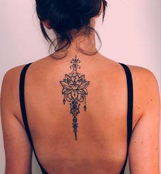 - Tattoo - Tattoo butterflies and flowers tattoo Drawing Bohemian Lotus Back Tattoo Ideas for Women - Feminine Tribal Flower Chandelier Jewelry Spine Tat - Ideas de tatuaje de espalda de mujer - n We want to share beautiful tattoo like this one we did no Back Tattoo Women Upper, Back Of Neck Tattoos For Women, Girl Neck Tattoos, Upper Back Tattoos, Spine Tattoos For Women, Tattoo Girls, Leg Tattoos, Body Art Tattoos, Tattoo Neck