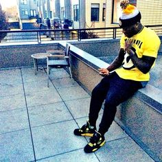 ab32db8c32a8 38 Best Celebrities wearing jordans images