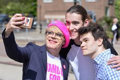 Eddie Izzard Gets Emotional As He Implores Students To Vote On The EU - BuzzFeed News