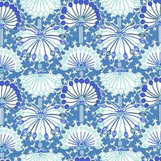 A classic cow parsley floral Print from Liberty of London. 100% cotton Tana Lawn