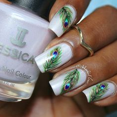 Feather Nail Art Designs - Top 100 Design - Our Nail Peacock Nail Designs, Peacock Nail Art, Feather Nail Art, Simple Nail Art Designs, Fancy Nails, Cute Nails, Pretty Nails, Diy Nails, Instagram Nails