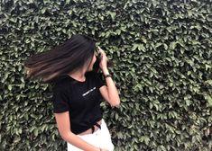 Ideas For Instagram Photos, Instagram Pose, Insta Photo Ideas, Cute Girl Poses, Girl Photo Poses, Girl Photography Poses, Stylish Girls Photos, Stylish Girl Pic, Selfi Tumblr