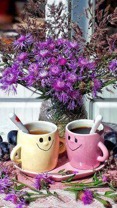 Unique Coffee Mugs, Coffee Love, Coffee Break, Coffee Cups, Teacup Flowers, Good Morning Coffee, Tea Cakes, Good Morning Images, Afternoon Tea