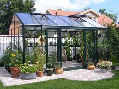 Willab Garden växthus Maxi 4. Greenhouse Shed, Greenhouse Gardening, Love Garden, Dream Garden, Jardin Decor, Conservatory Garden, Backyard Retreat, Garden Structures, Glass House