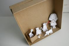 ******     My first dioramas are ready!!!!   I`ve so fascinated working with my   paper illustrations set ups that I just we...