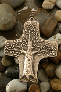 Bronze Anniversary Gifts, Bronze Gifts, Tree Of Life Art, Diy Jewelry To Sell, Cross Art, Iranian Art, Images And Words, School Art Projects, Rustic Jewelry