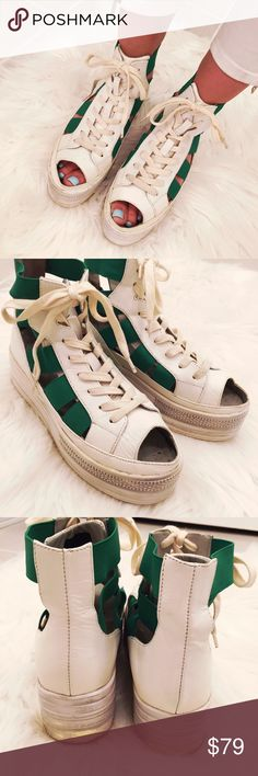 ➡️Fessura Double Green Cut Out Sneakers⬅️ These are so cool! And comfortable too. Very lightly worn, maybe once or twice. They fit like 7-7.5. Fessura Shoes