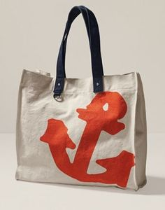 cute summer tote...love the hand painted look of the anchor