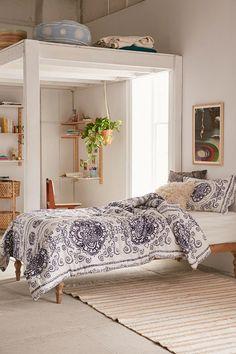 Yessa Watercolor Comforter