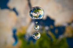 Imagens dentro de uma gota de água by fotógrafo Markus Reugels #worlds