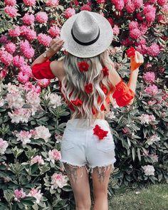 Chapéu acessórios de cabelo em 2019 городская фотография, летние фото e худ Spring Photography, Girl Photography Poses, Girl Photo Poses, Girl Photos, Artsy Photos, Cute Girl Drawing, Stylish Girl Images, Creative Portraits, Outerwear Women