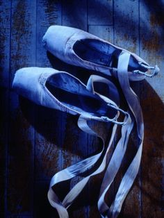 Ballet shoes in blue. Im Blue, Kind Of Blue, Deep Blue, Blue And White, Photo Bleu, Color Celeste, Bleu Indigo, Everything Is Blue, Himmelblau