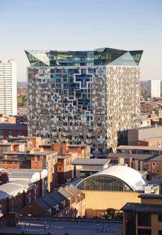 The Cube. Architect: Make Architects Location: Birmingham, UK Client: Birmingham Development Company Unusual Buildings, Interesting Buildings, Amazing Buildings, Modern Buildings, Contemporary Buildings, Office Buildings, Unique Architecture, Facade Architecture, Installation Architecture