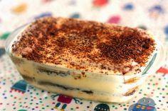 Tiramisu (recipe in Spanish) Delicious Desserts, Dessert Recipes, Yummy Food, Amaretti Cookie Recipe, Pumpkin Custard, Love Food, Sweet Recipes, Food Porn, Food And Drink