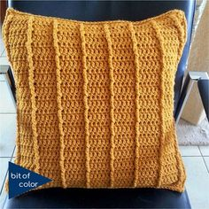 Knitting Stiches, Knitting Patterns, Crochet Patterns, Crochet Home, Free Crochet, Boyfriend Crafts, Striped Cushions, Knit Pillow, Valentine's Day Diy