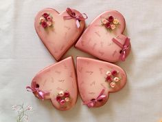 Airbrushed hearts Valentine's Day Sugar Cookies, Xmas Cookies, Heart Cookies, Valentine Cookies, Cute Cookies, Valentine Heart, Yummy Cookies, Valentines Day, Spice Cookies