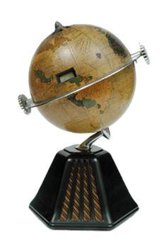 Colonial 'New World' Globe Radio  circa 1933