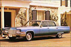1969 Cadillac Fleetwood Sixty Special Sedan in classy dark blue