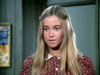 """The star who played Marcia on """"The Brady Bunch"""" is no longer the adolescent you watched grow up on screen--. Daphne Blake, 90s Hairstyles, Vintage Hairstyles, Marsha Brady, Maureen Mccormick, The Brady Bunch, Saved By The Bell, Vogue, Girl Meets World"""