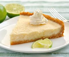 If you're looking for a great dessert to make with minimal effort then look no further. This key lime pie is just the treat for you. You won't believe how perfect this dessert tastes. Great Desserts, Köstliche Desserts, Dessert Recipes, Dessert Healthy, Tart Recipes, Sweet Recipes, Cooking Recipes, Healthy Recipes, Easy Lemon Tart Recipe