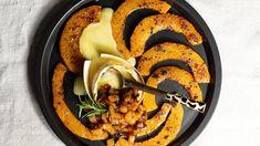Halloween: Rezept für Ofenkäse mit Kürbis und Karamellbirnen - SPIEGEL ONLINE Yummy Veggie, Veggies, Low Carb, Spiegel Online, Meals, Cooking, Ethnic Recipes, Food, Koken