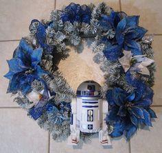#StarWars #wreath #Christmas #ChristmasDecorations #xmas #r2d2 #nerd #geek #ornament #decorations