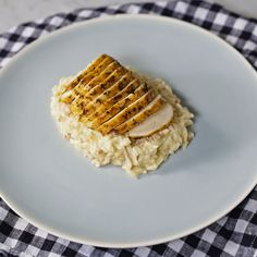 Confira a receita de Risoto com Frango do Tastemade Healthy Sausage Recipes, Cooking Recipes, Junk Food, Tasty, Yummy Food, Mini Foods, Diy Food, Organic Recipes, Food Videos