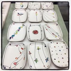 If you are looking for a cheap and creative way to add color and life into your interior, then look no further than ceramic plates. Rather than turning to expensive art pieces and portraits, you ca… Ceramic Cafe, Ceramic Decor, Ceramic Plates, Porcelain Ceramics, Ceramic Pottery, Porcelain Tile, Pottery Painting, Ceramic Painting, Crackpot Café